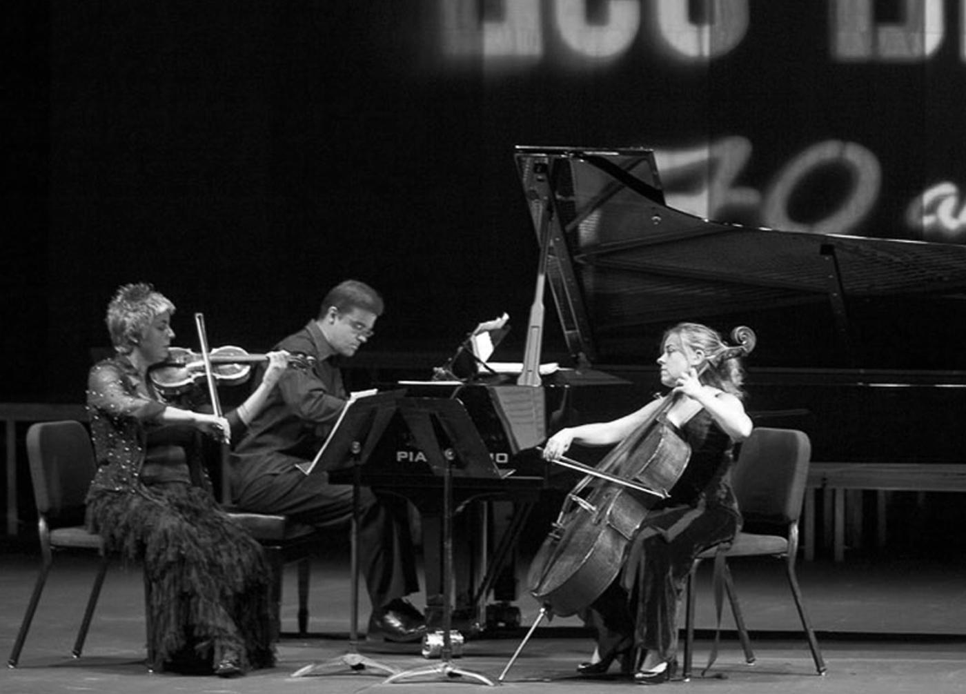 Studio MUI - Brouwer Trio
